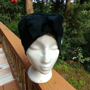 Velvet Vintage Turbin Hat in Black